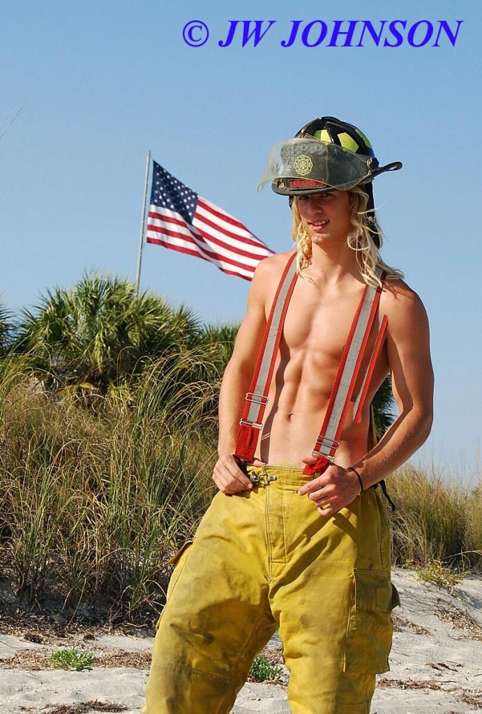 FF All American Beach Hottie