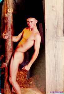 Barn Nude Copy